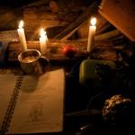 Bei Kerzenlicht und Tschai haben wir den Abend verbracht und gemeinsam gesungen und gespielt.